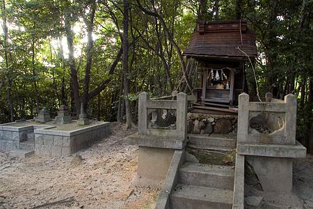 水野良春の墓