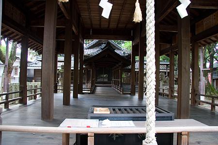 星神社拝殿前