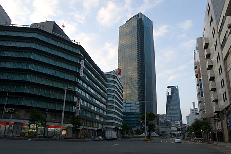 早朝名古屋駅裏-10