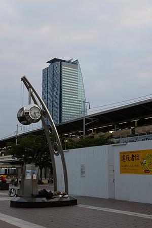 早朝名古屋駅裏-2