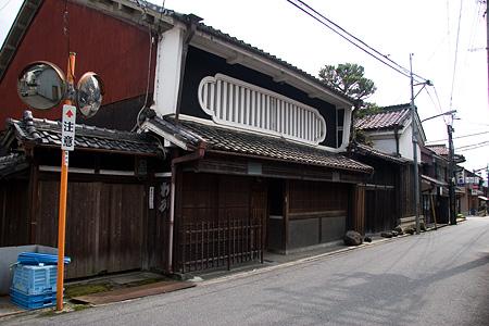 長谷寺門前格子の日本家屋