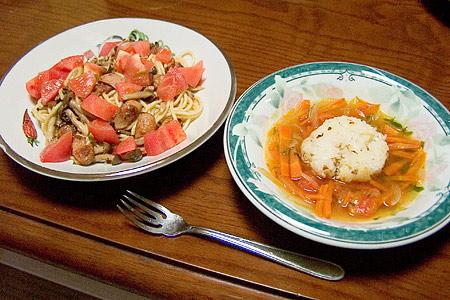 キノコとトマトのパスタ