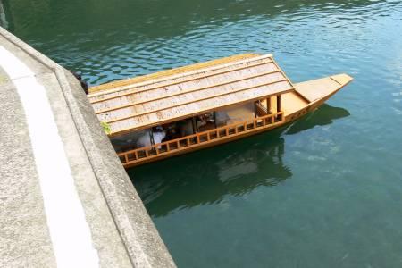 高瀬沈下橋と四万十川屋形船
