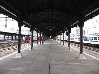 駅は優しく・・・