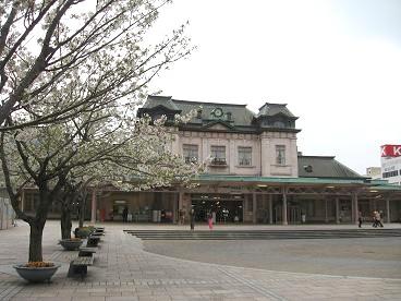 春の門司港駅