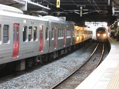 885系・白いソニック(小倉駅にて)