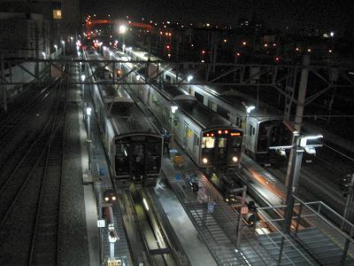 夜の駅・・というか・・