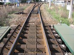 線路を見ていると・・・