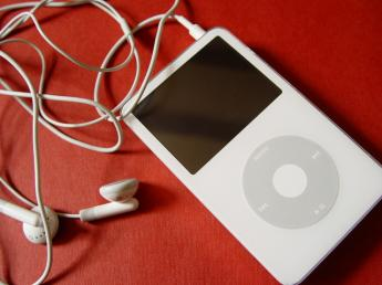 MP3_apple-ipod-iphone_006.jpg