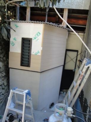 トイレ改修~外装板張り