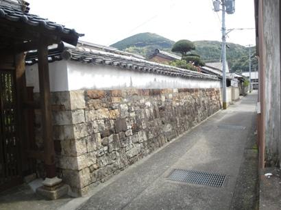 石垣塀のシックイ塗り